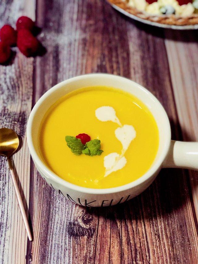 香甜奶香南瓜汤,暖心又暖胃