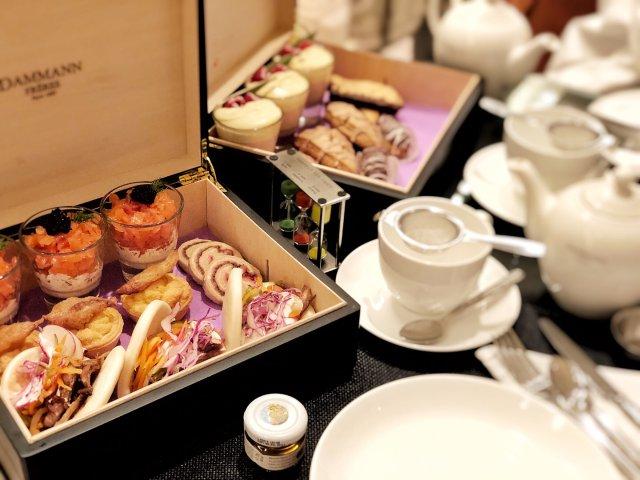 和姐妹们的精致盒装下午茶☕️美到哭泣!