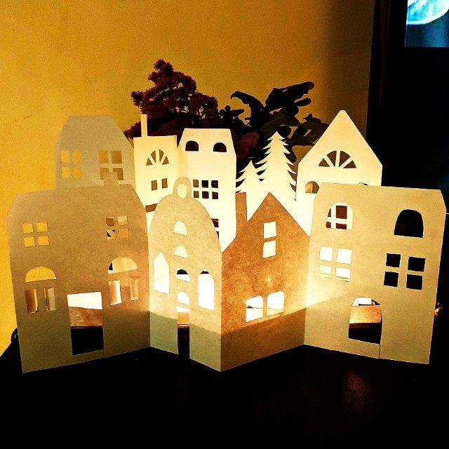 A4纸+小灯串 DIY圣诞风桌面装饰