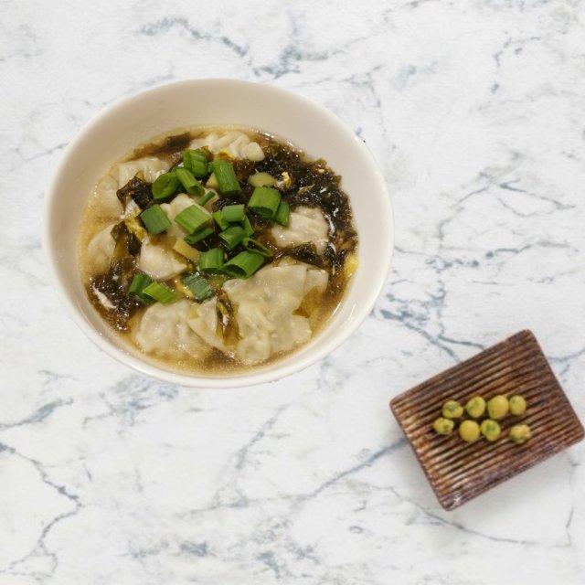 快手晚餐:紫菜蛋花云吞汤