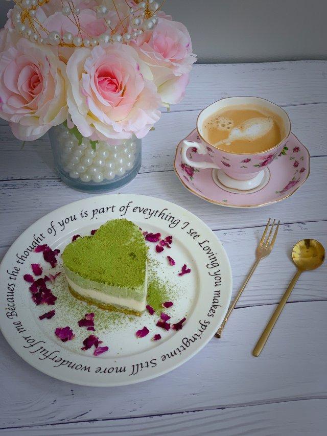 抹茶控的《抹茶红豆慕斯蛋糕》