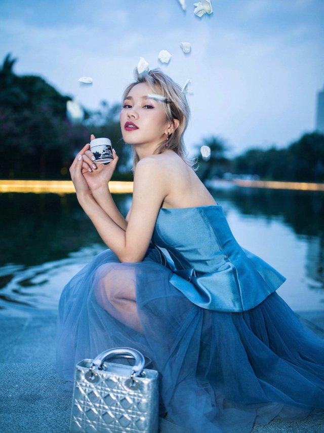 海边晚宴怎么穿?魔法变身Elsa公主✨