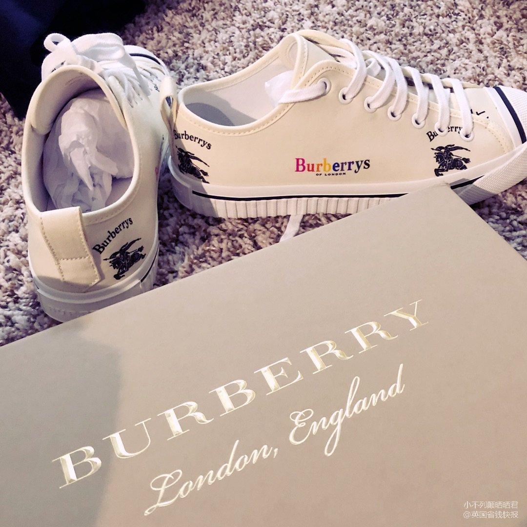 Burberry 全新款 開口笑<...