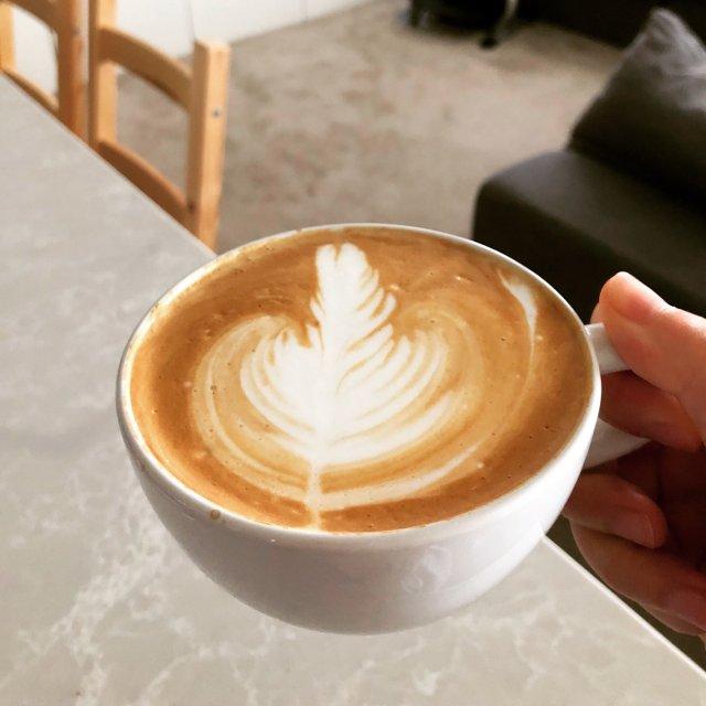 早上有心情拉一杯是奢侈的
