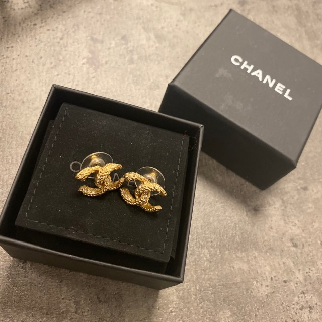 Chanel 耳钉💝宠爱自己❤️