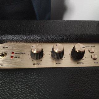 Marshall 蓝牙音箱...