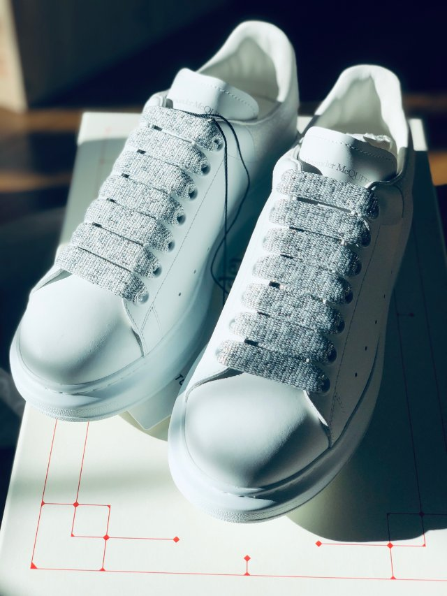 完美的小白鞋