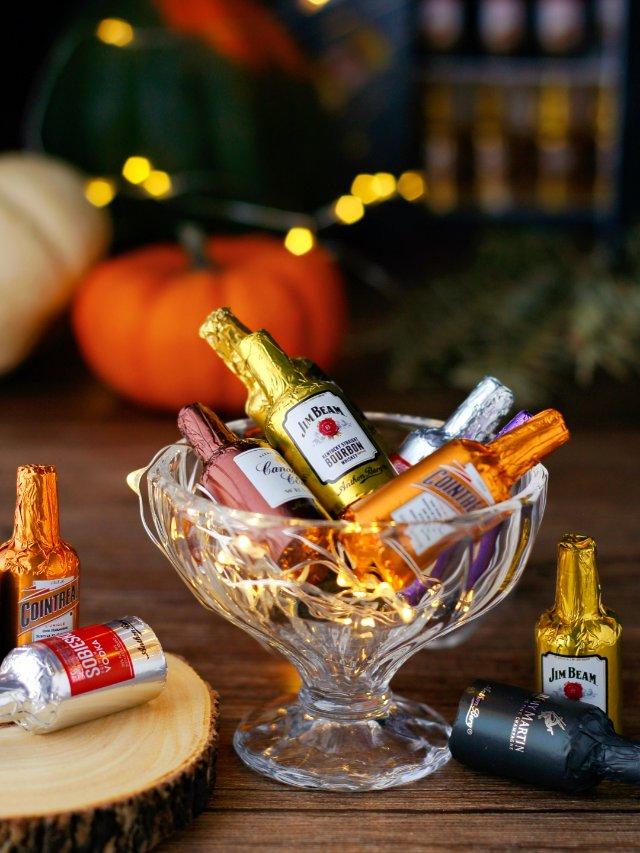 节日气氛浓郁的酒心巧克力