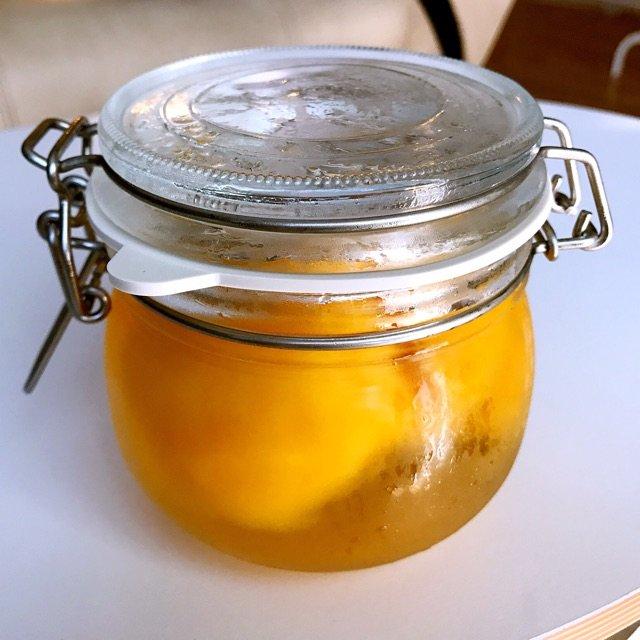 自制黄桃罐头。做法超级简单,味道和...