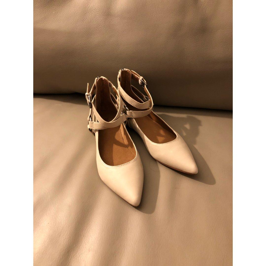 Frye小白皮鞋
