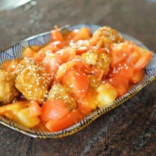 【老北京干炸小丸子,配上番茄土豆,放在哪...