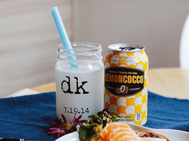 清新柠檬和甜润椰子的混合饮料,不酸...