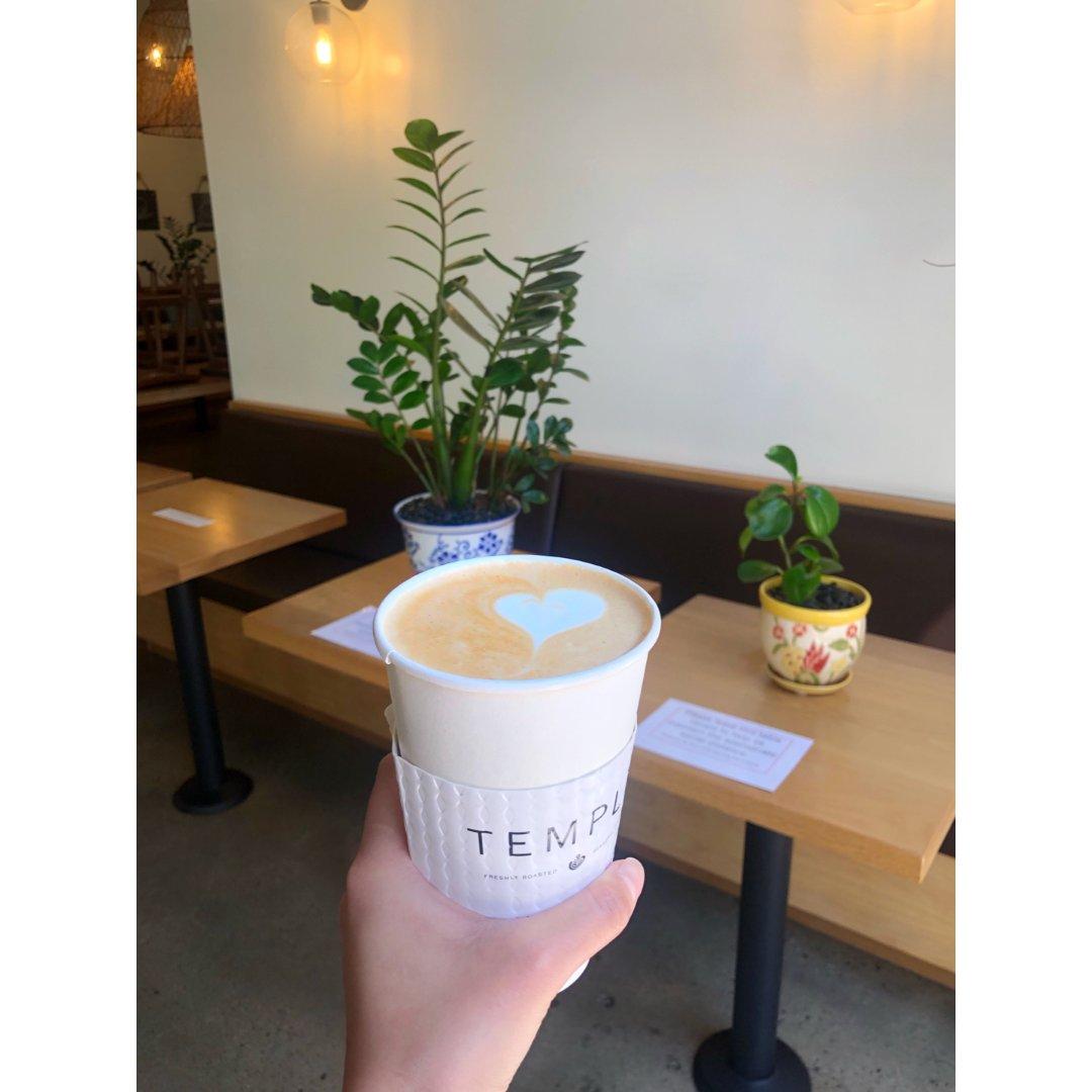 疫情期間的咖啡店