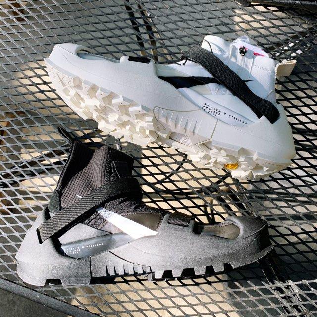 一双酷到爆炸💥的鞋子