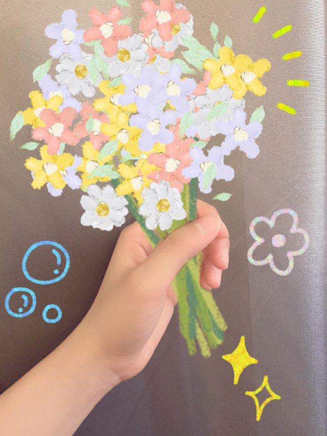 听说小仙女都在家画花花🌸