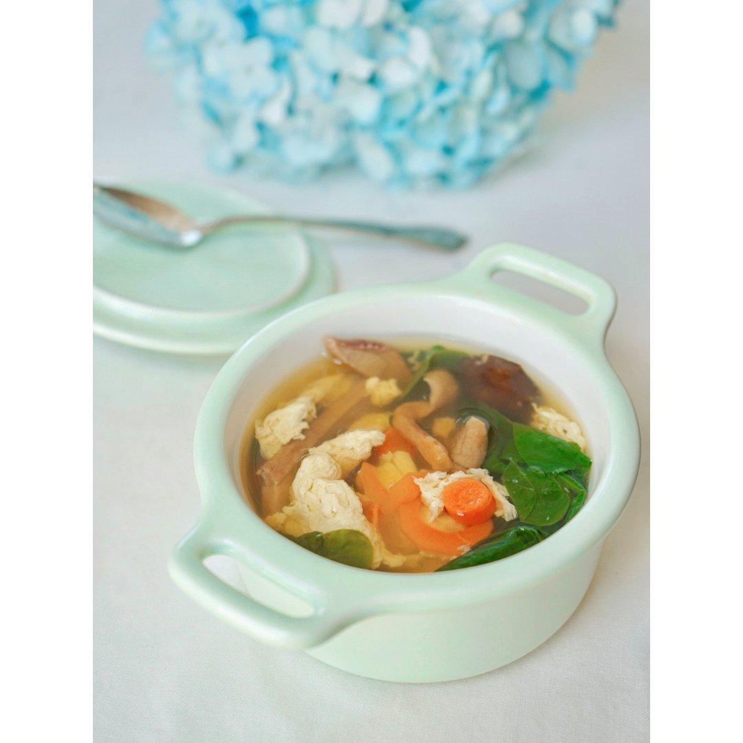 我尝试了一下菌子版的芙蓉鲜蔬汤