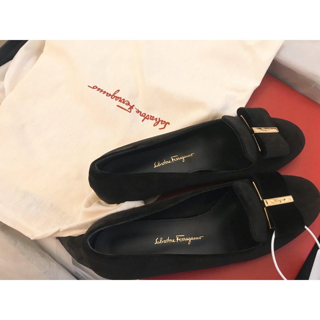 Ferragamo百搭黑色蝴蝶结鞋