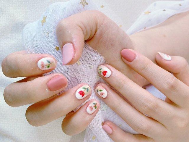 粉色系指甲 