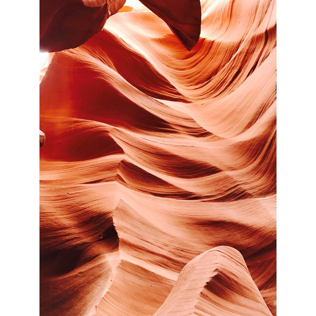 羚羊峡谷的颜色就是美得不行...