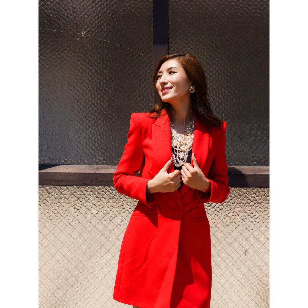 让你秒变女王的红色西装外套