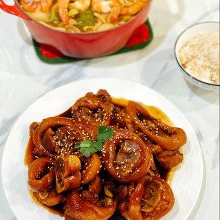 晚餐小饭桌:红烧猪蹄+沙嗲小火锅🍲煮一切...