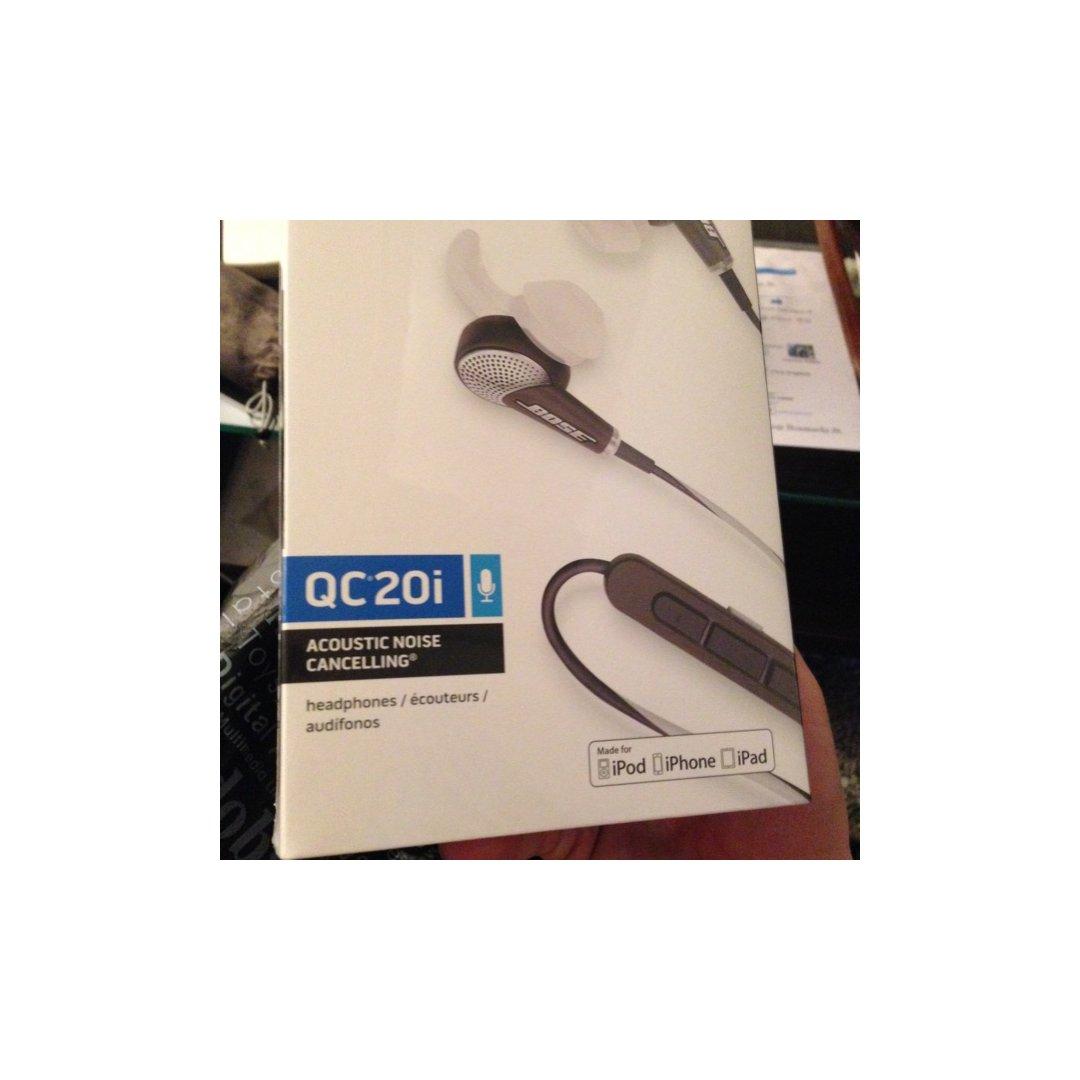 极力推荐的bose降噪耳机QC20...