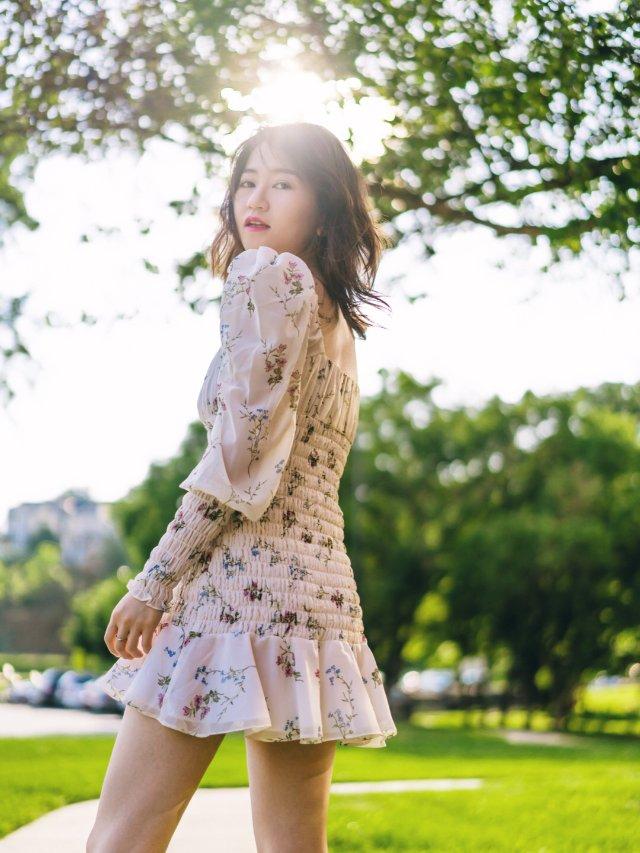 夏日穿搭 | 浪漫复古碎花连衣裙