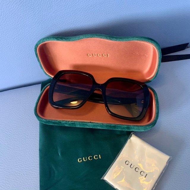 79镑薅个Gucci小蜜蜂方框墨镜...