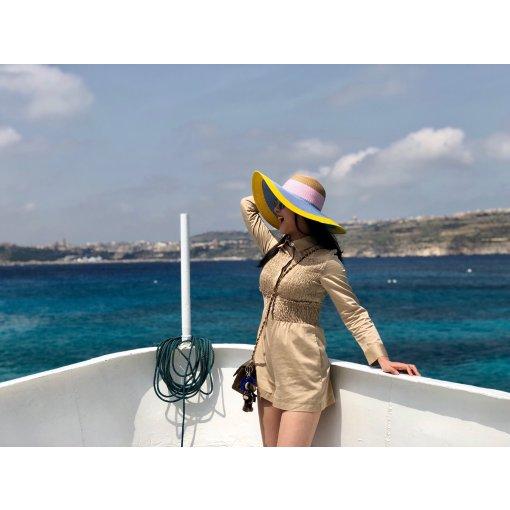 带着一身Maje去看海