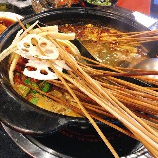 加拿大吃喝玩乐,天气冷了吃火锅,小郡肝串串香