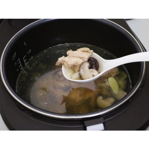 电饭煲美食之-【香菇山药鸡汤】🍲