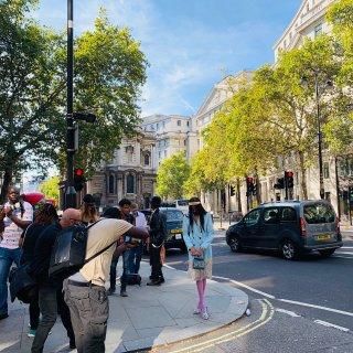 普通人免费头排看伦敦时装周是什么体验❓...