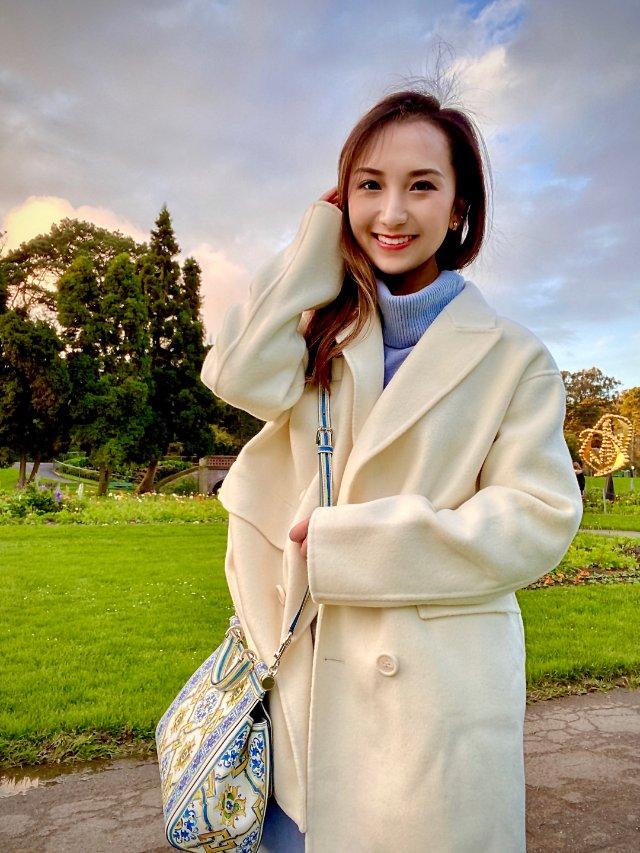 最温暖不过一件oversized 白大衣