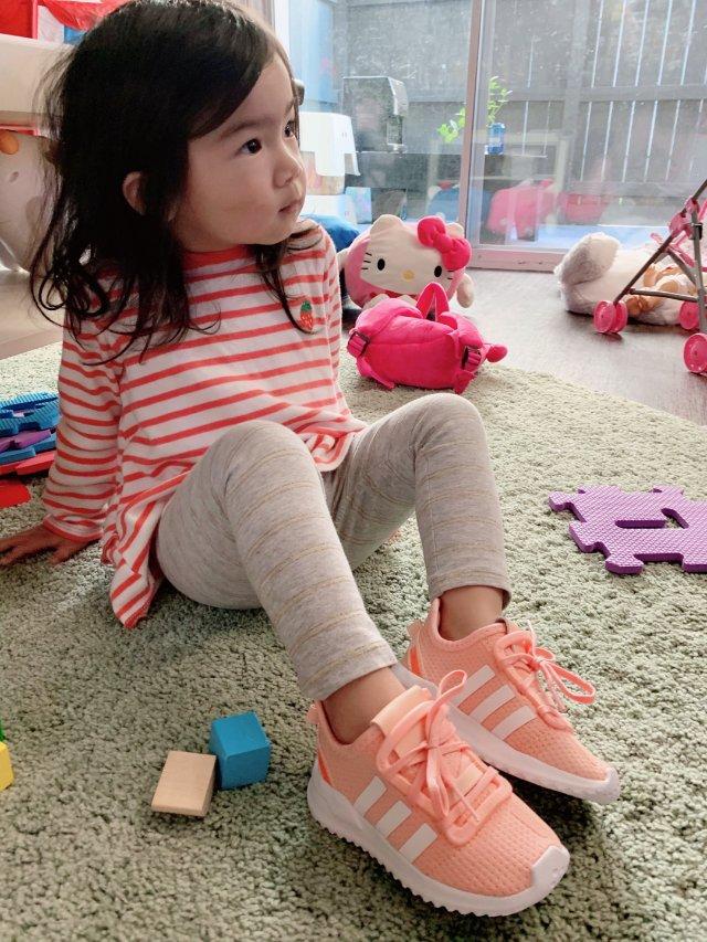 给猪宝换新鞋啦~ || Adida...