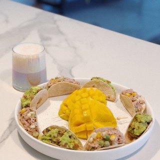 取名就叫:张嘴大合唱的mini taco...