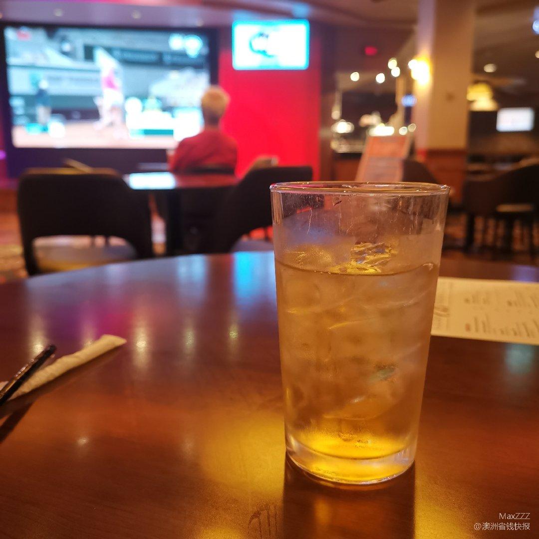 悉尼RSL自己调酒喝