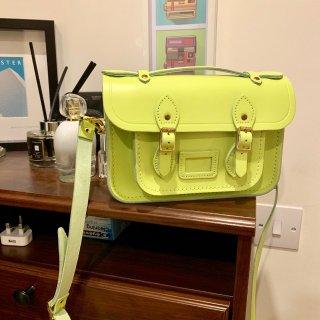 荧光黄绿迷你剑桥包,夏天的颜色...