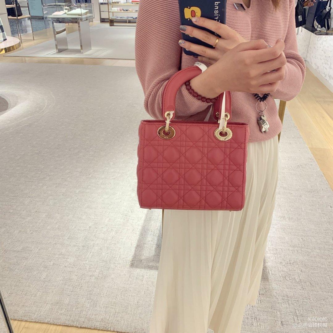 少女心爆棚的Dior包包