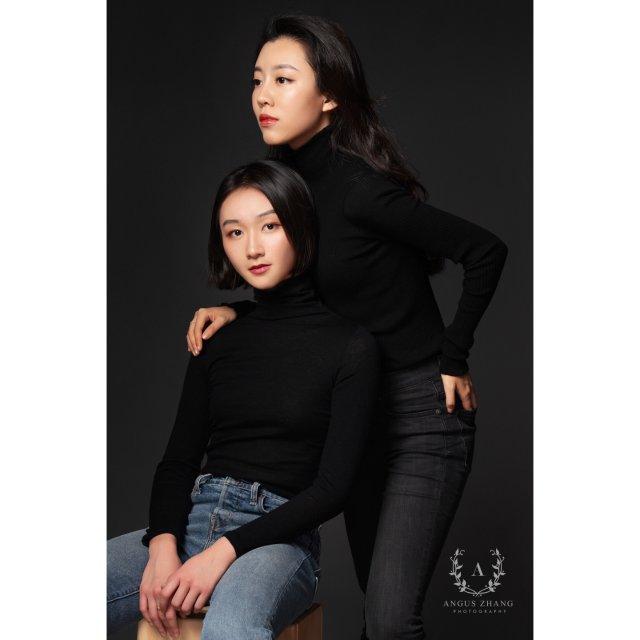 两件黑色毛衣