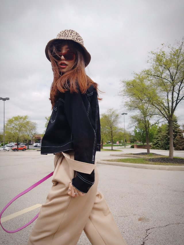 春季穿搭——高腰阔腿裤➕短款夹克衫
