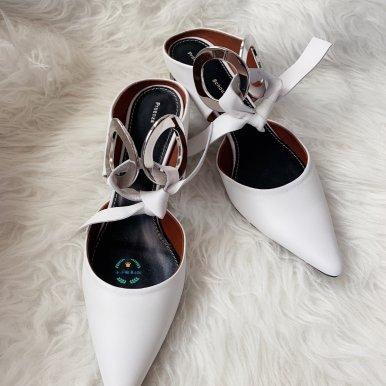 圆扣穆勒鞋