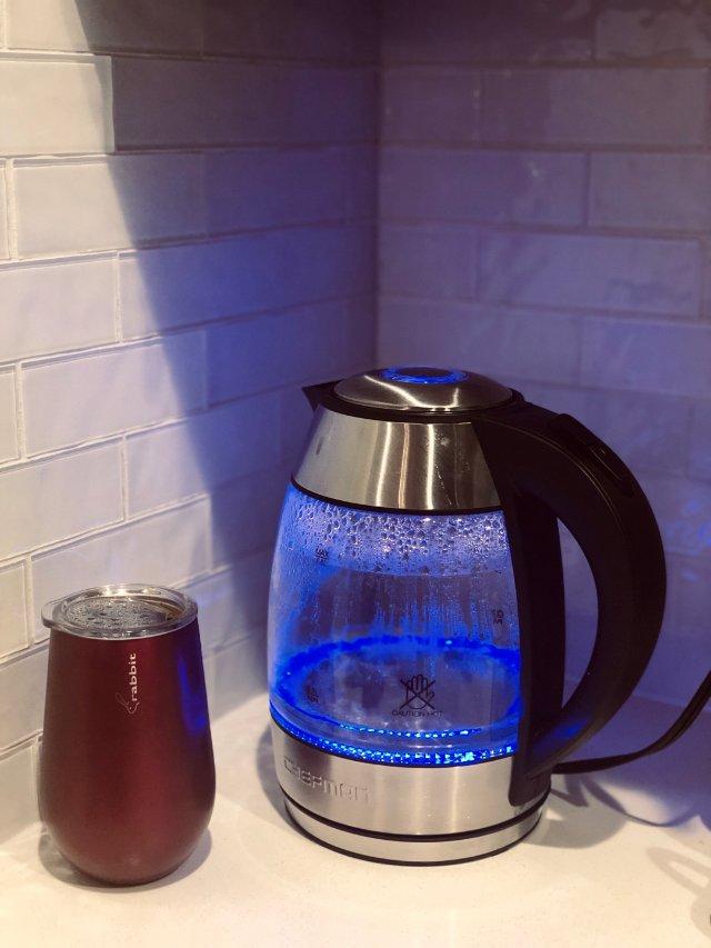 婆婆来了后总是用锅烧水喝茶喝咖啡。...