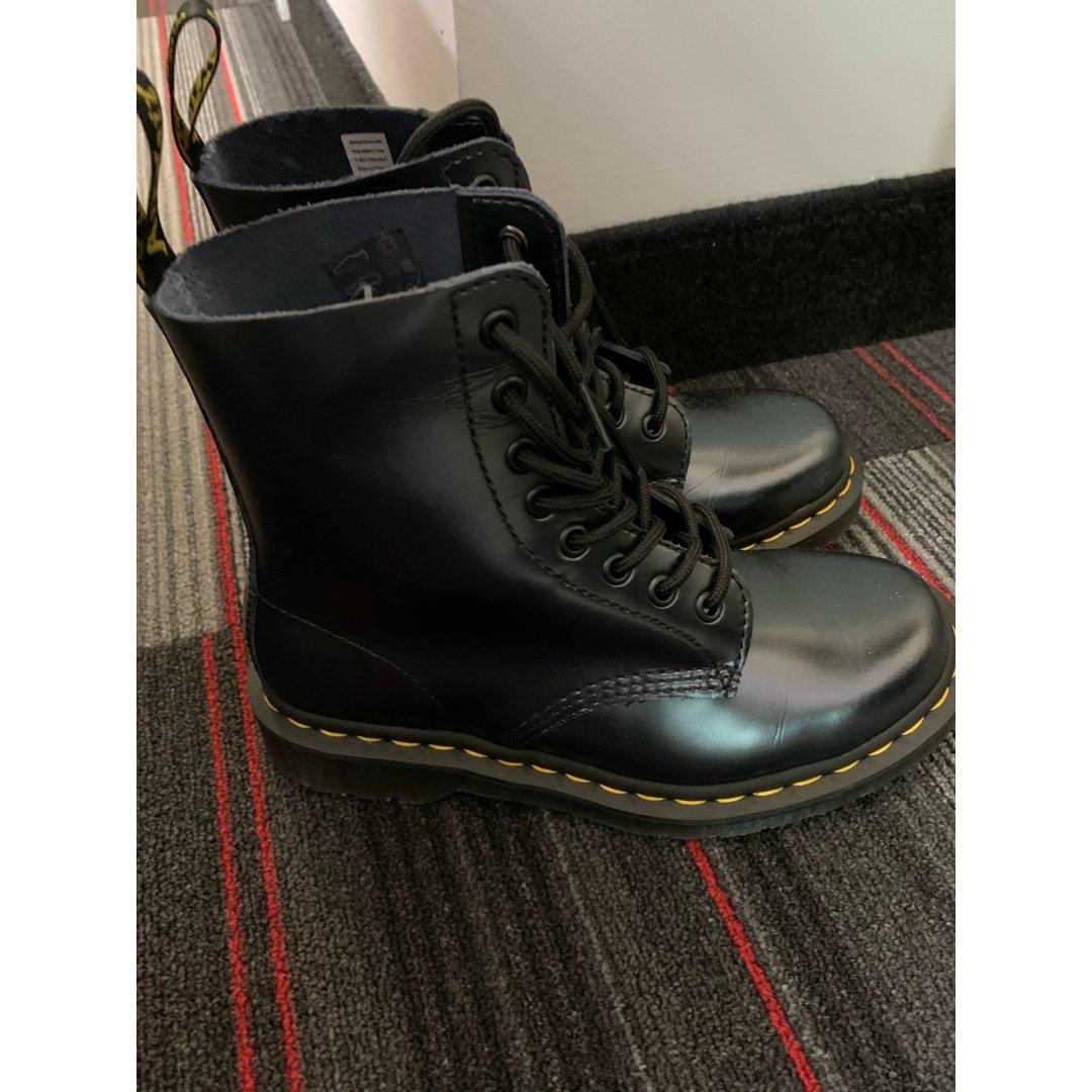 第一双马丁靴!!!
