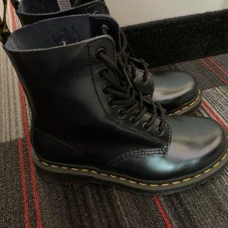 第一双马丁靴!!!...