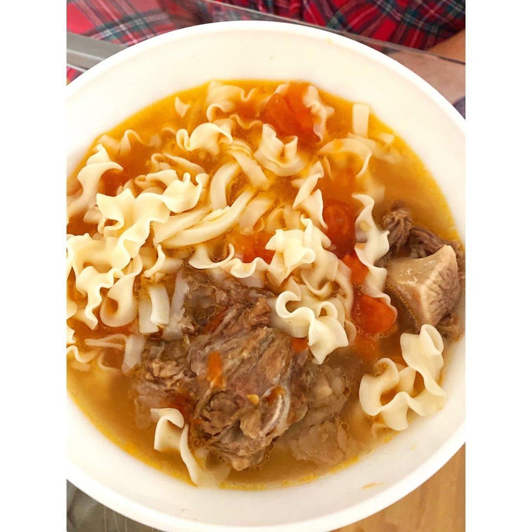 美食分享|番茄牛尾骨汤