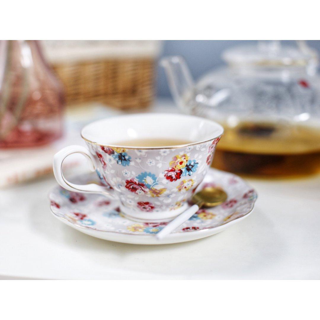 一杯茶,一本书,一段美好时光
