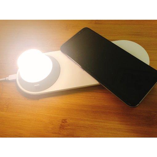 种草的小米床头灯带无线手机充电~