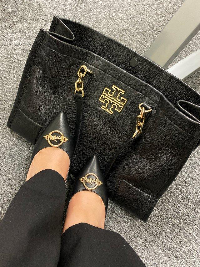 新鞋和包包很配