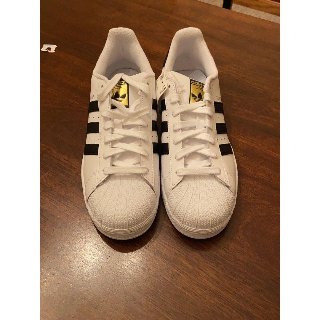 Adidas贝壳鞋