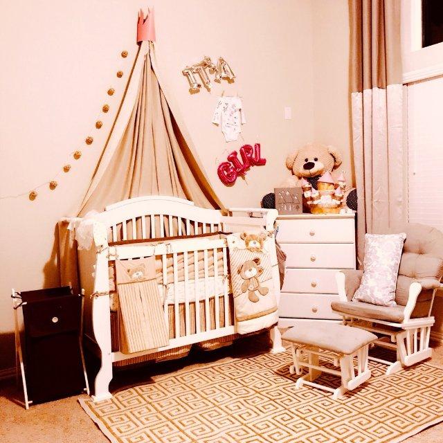 图1和2是为宝宝暂时在我们房间布置...